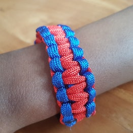 Paracord survival armband Haiti