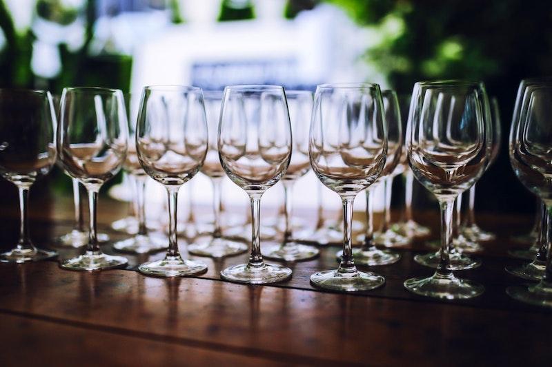Voorbereiding van de wijnproeverij