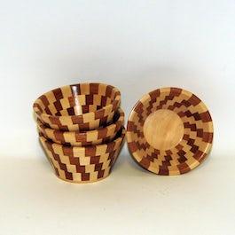 Handgemaakte houten schaaltje doorsnee 15 cm