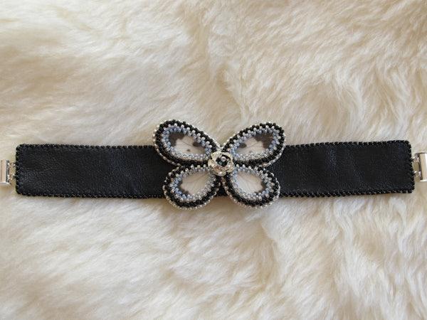 Leren armband met echte vlindervleugels