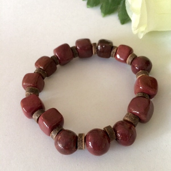 Armband van auberginekleurige glanskralen - A.005 -