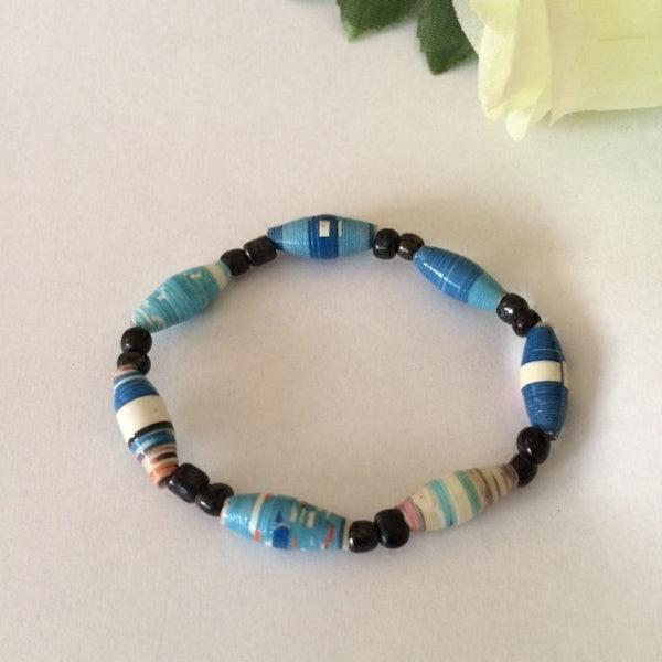 Kinderarmbandje van smalle beads - blauw gemêleerd - A.012 -