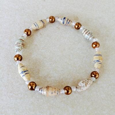 Armbandje van smalle paperbeads - beige/koper - A.100