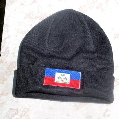 Zwarte beanie met vlag Haiti op omslag