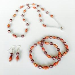 Ketting + 2 armbanden + oorbellen - aubergine/terracotta - S.001 -
